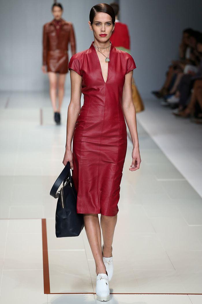 Trussardi кожаное красное платье весна-лето 2015