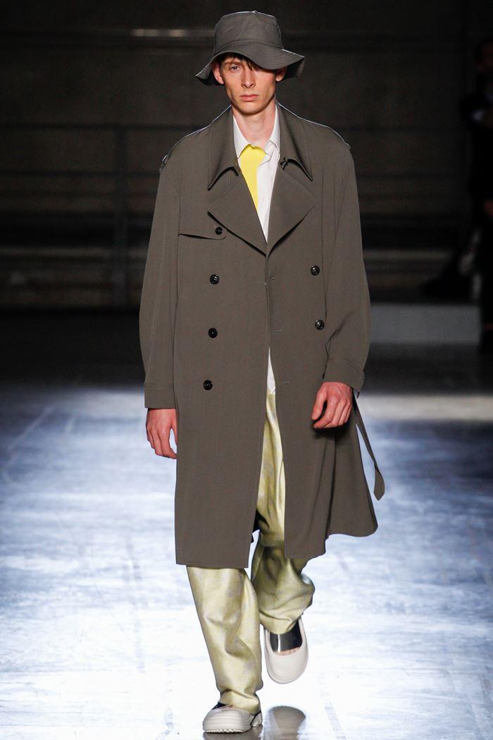 Wooyoungmi двубортное мужское пальто хаки весна-лето 2015