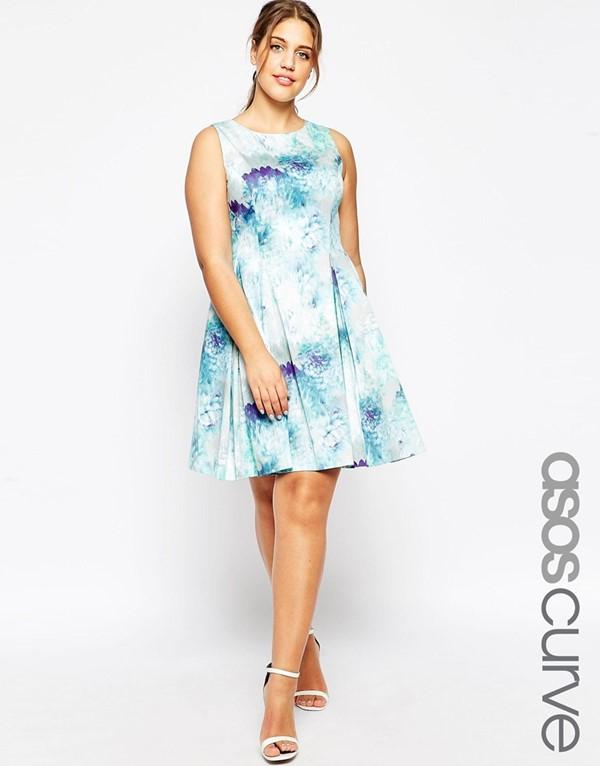 цветочное голубое короткое коктейльное платье для полных 2015