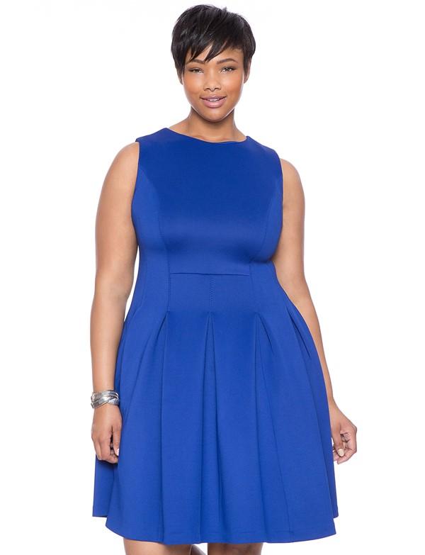 ярко синее короткое коктейльное платье для полных 2015