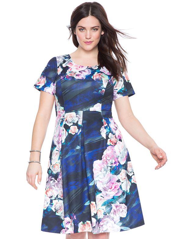 приталенное цветочное платье для полных женщин 2015