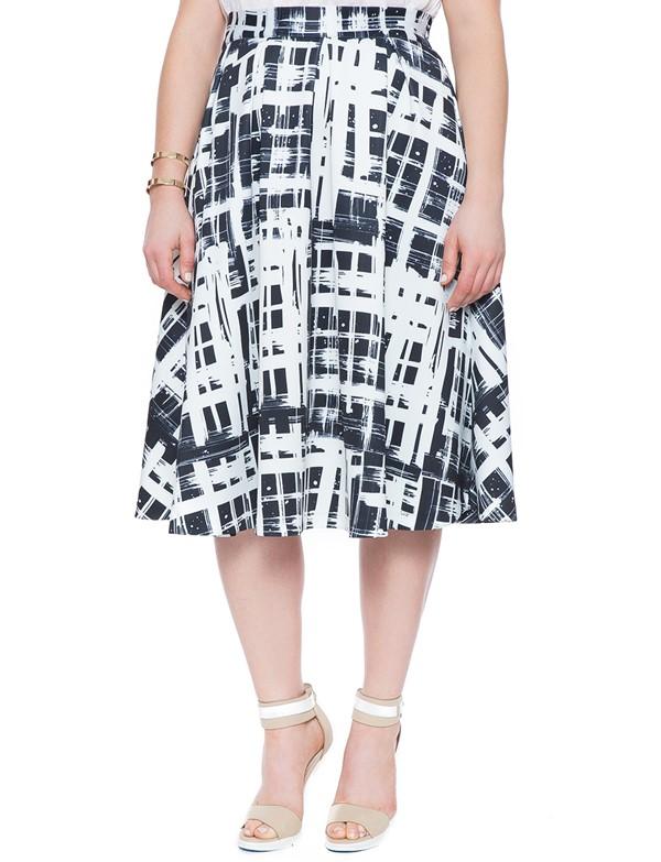 черно-белая плиссированная юбка для полных 2015