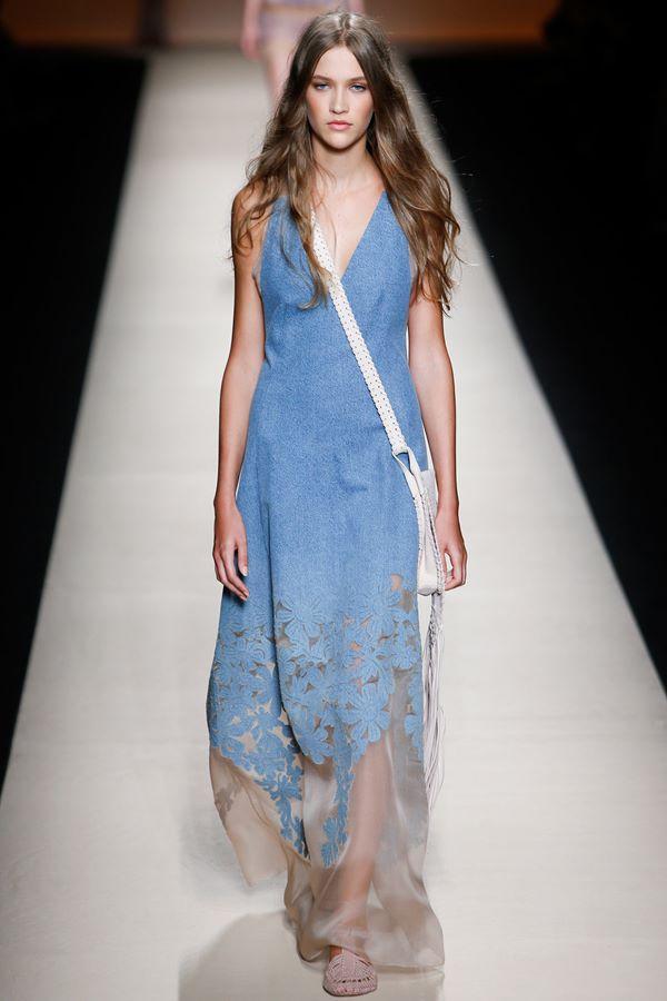 Голубые платья весна-лето 2015 Alberta Ferretti