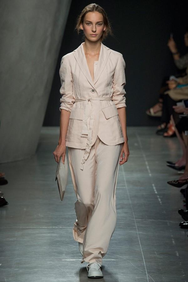 Женские брючные костюмы весна-лето 2015 Bottega Veneta