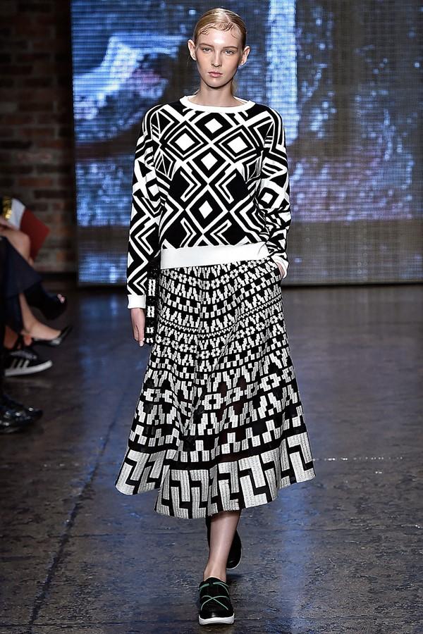 Женские летние костюмы 2015 DKNY