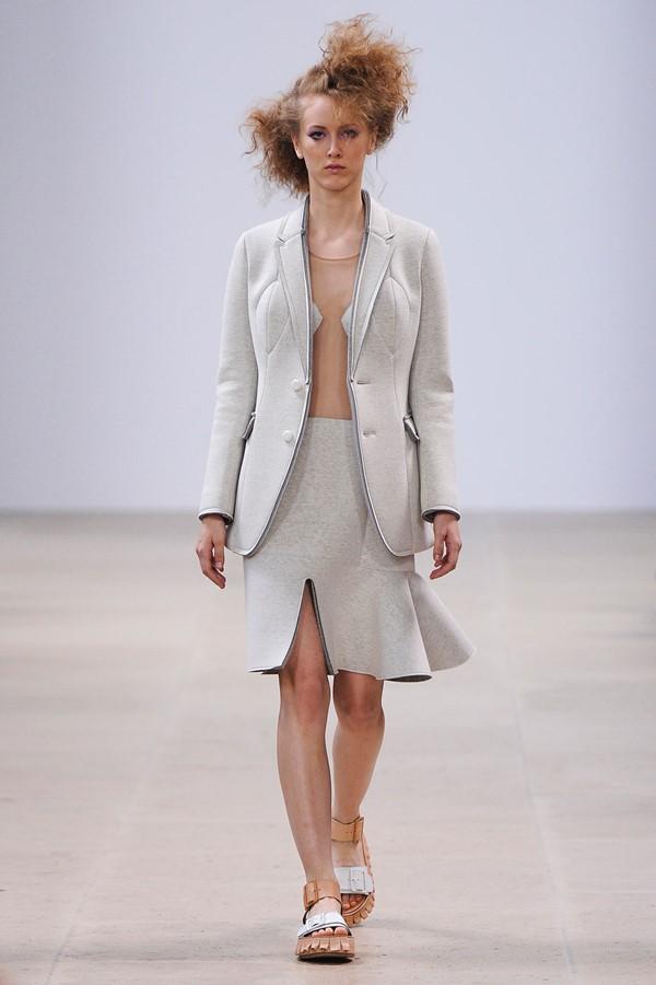 Женские костюмы с юбкой лето 2015 Julien David