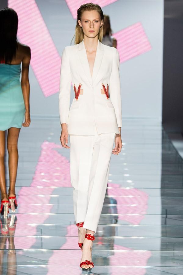 Женские брючные костюмы весна-лето 2015 Versace