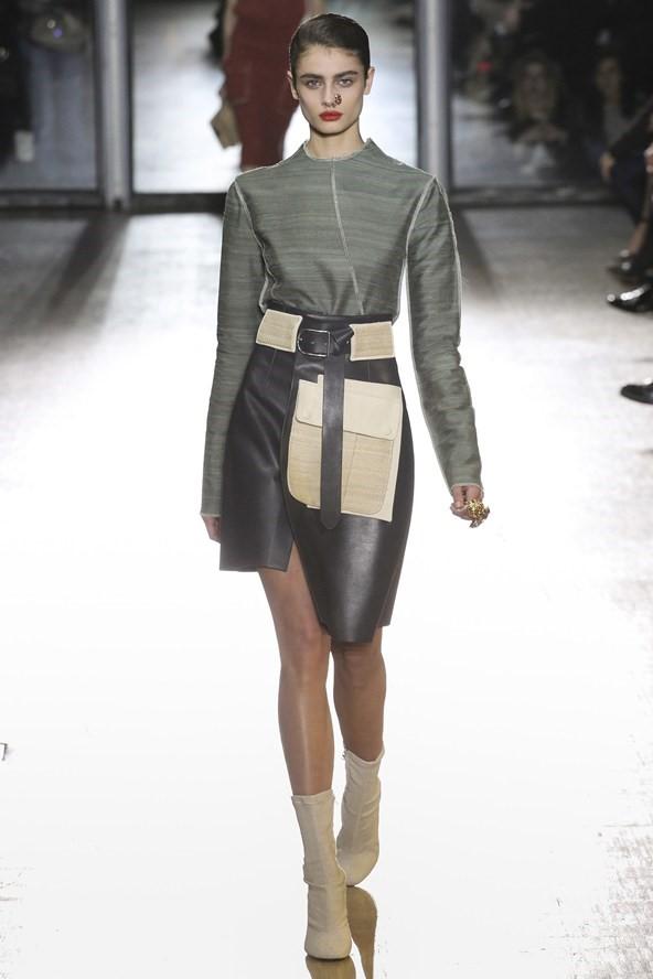Кожаные юбки осень-зима 2015-2016: Acne Studios