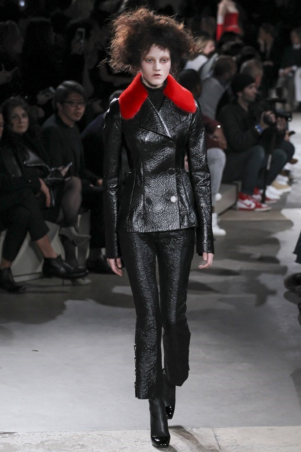 Кожаные куртки осень-зима 2015-2016: Alexander McQueen