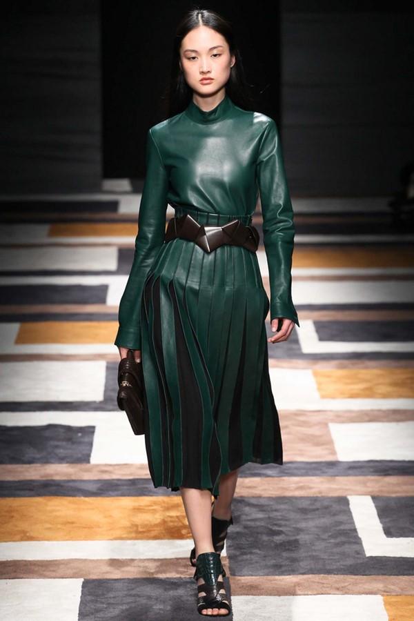 Кожаные платья осень-зима 2015-2016: Salvatore Ferragamo