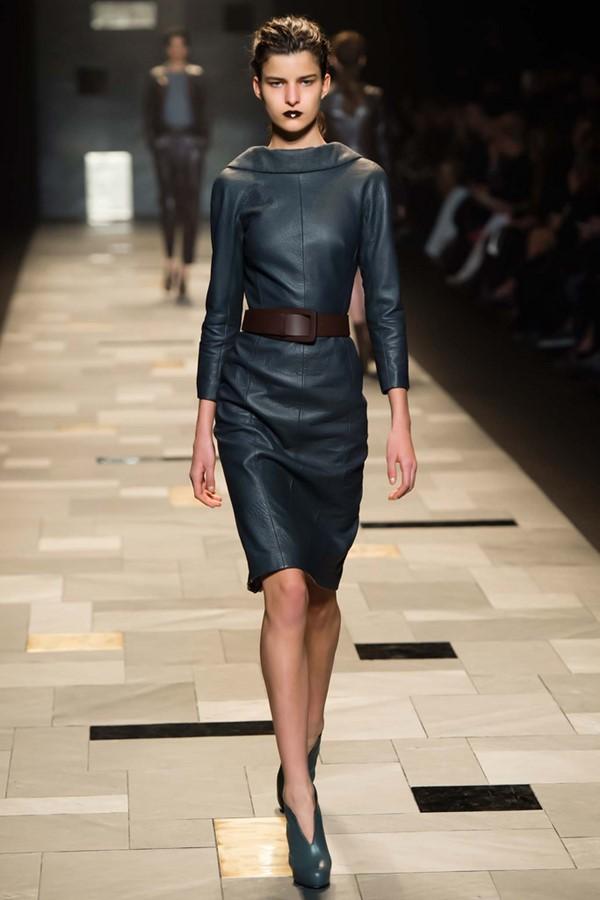 Кожаные платья осень-зима 2015-2016: Trussardi