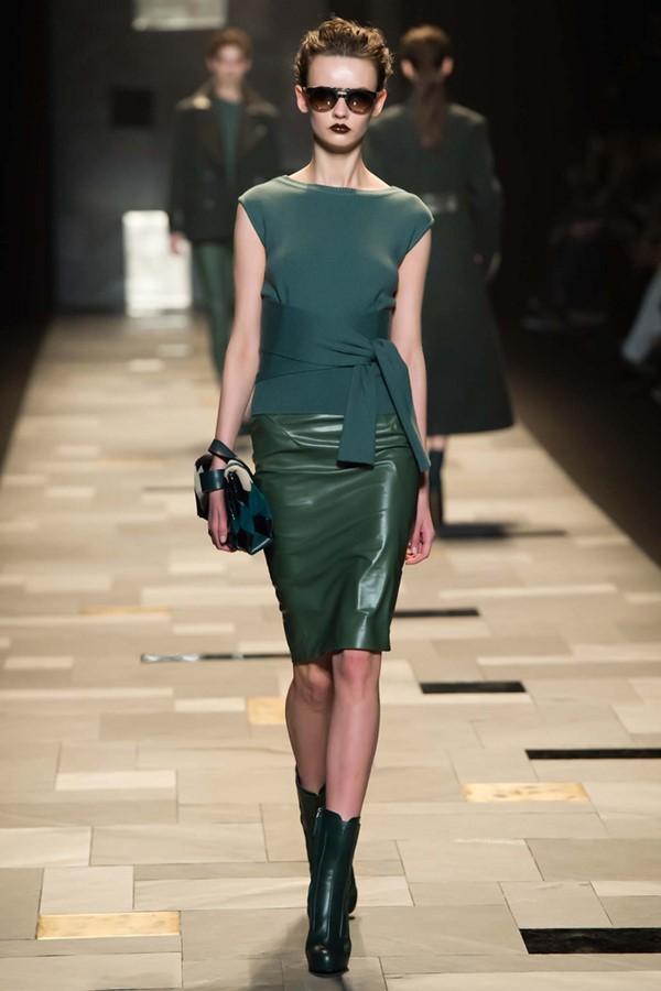 Кожаные юбки осень-зима 2015-2016: Trussardi