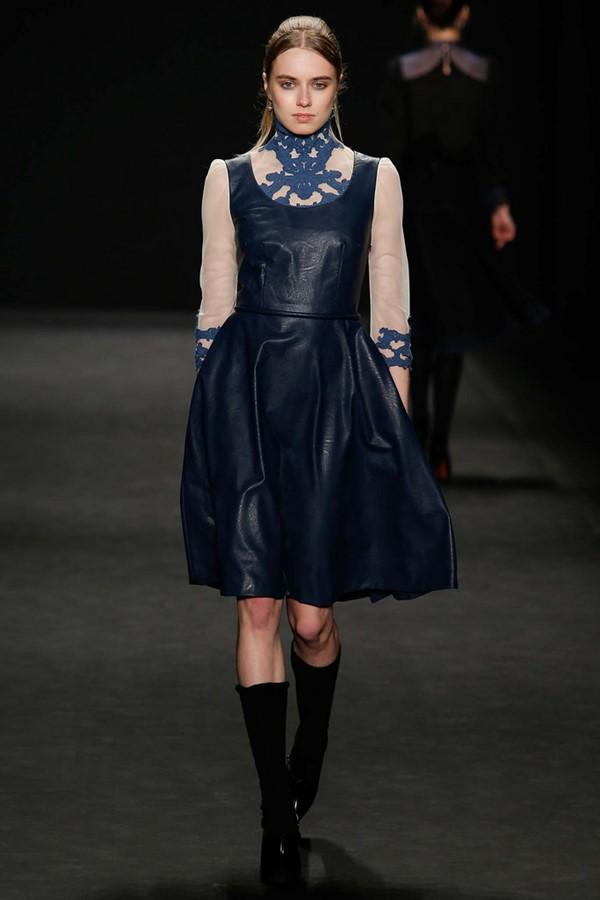 Кожаные платья осень-зима 2015-2016: Vivienne Tam