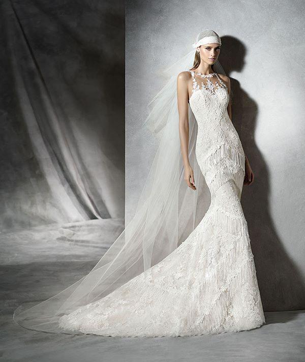 Свадебные платья с вышивкой и аппликациями 2015-2016 Pronovias