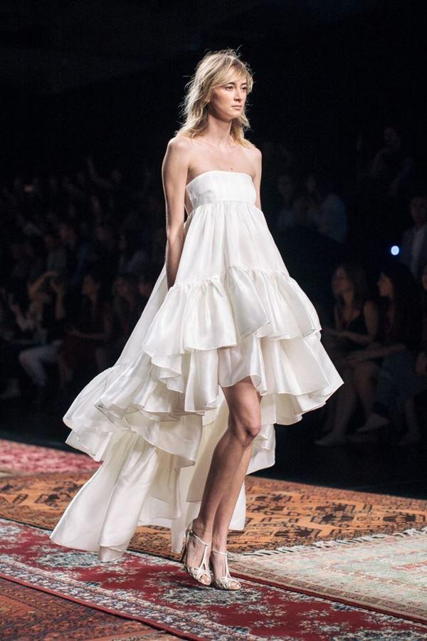 Свадебные платья с воланами 2015-2016 Houghton
