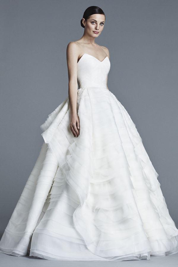 Свадебные платья с воланами 2015-2016 J. Mendel