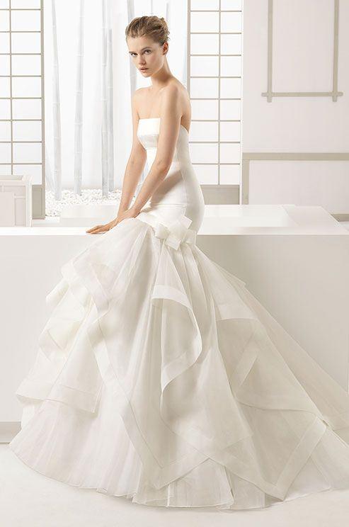 Свадебные платья с воланами 2015-2016 Rosa Clara