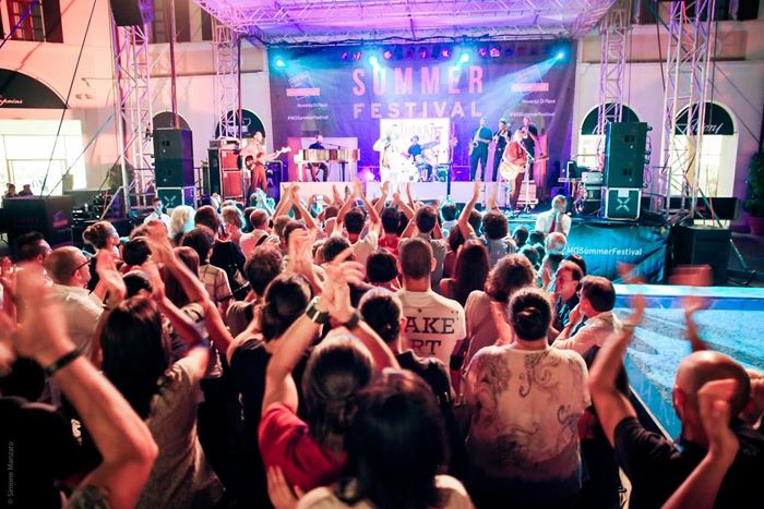 Летний музыкальный фестиваль в Mcarthurglen (2)