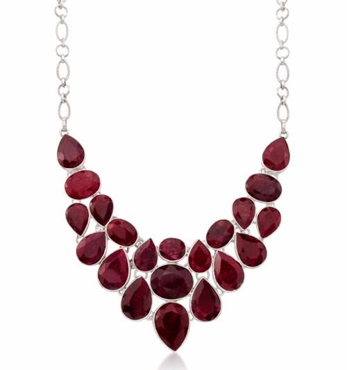 ожерелье с рубинами на крупной цепочке