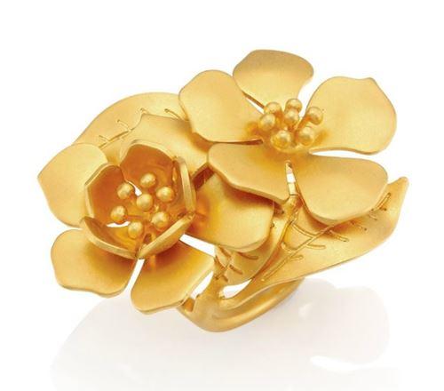 кольца с цветами Valentino