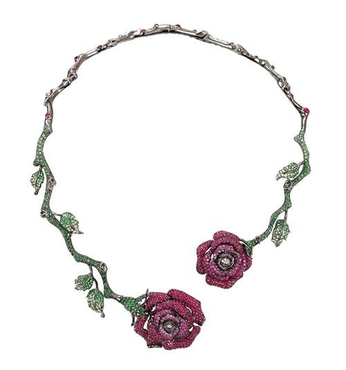 колье в виде розы, рубины и изумруды