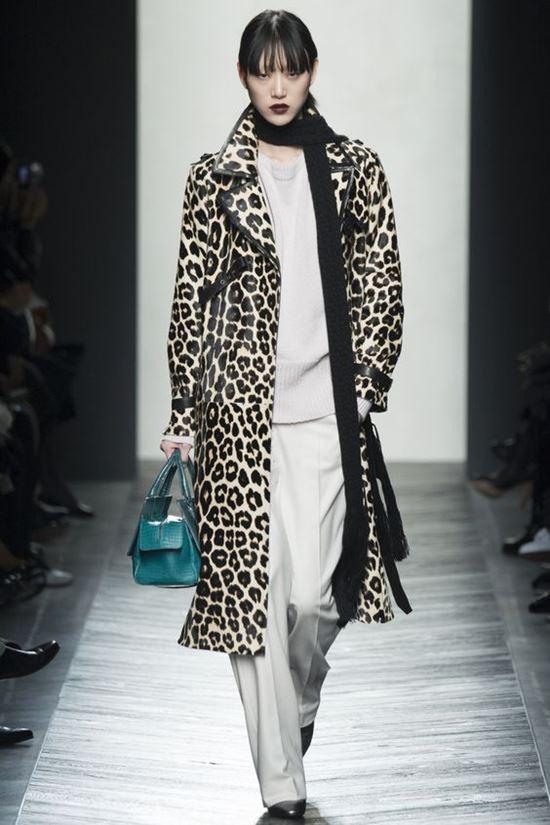 леопардовое пальто Bottega Veneta