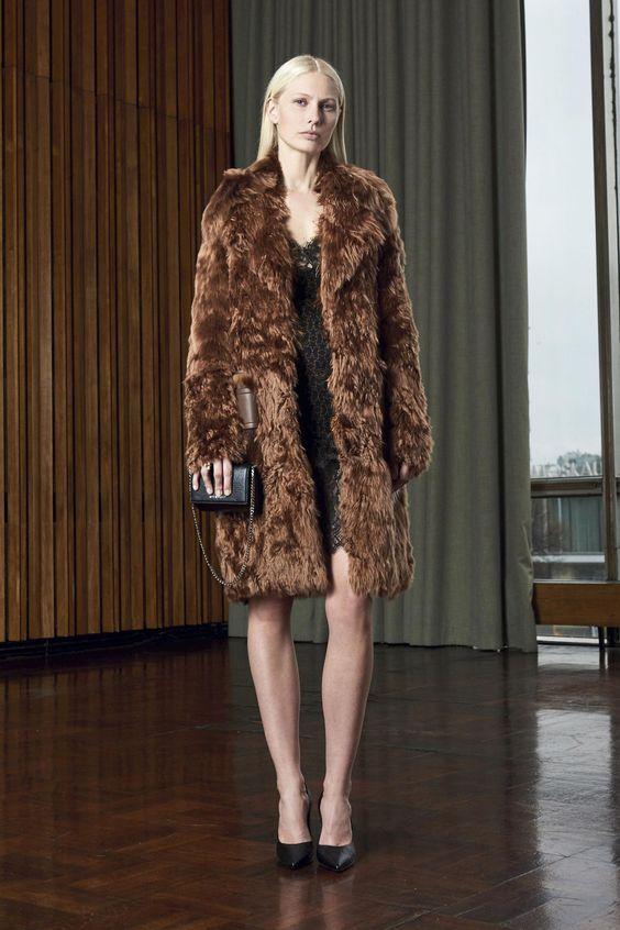 Givenchy коричневая шуба