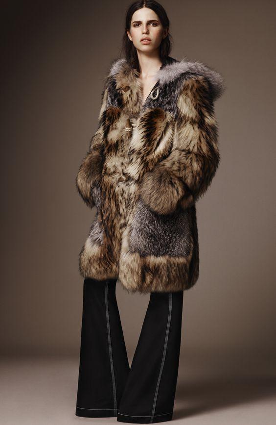 Burberry зимняя шуба до колена