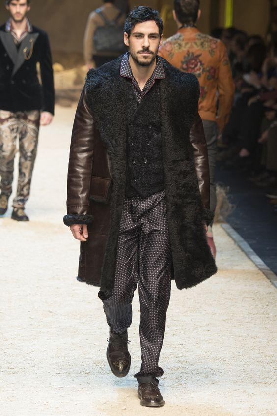 Dolce&Gabbana коричневая мужская дубленка осень-зима 2016-2017