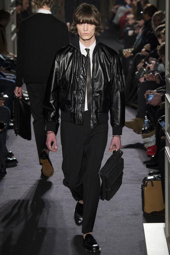 Valentino черная кожаная куртка