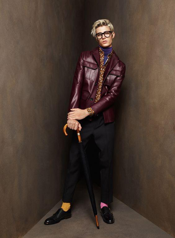 Bally бордовая кожаная куртка