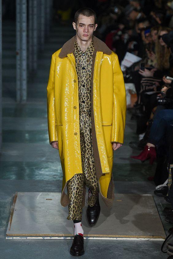 Walter Van Beirendonck желтое кожаное пальто с меховым воротником