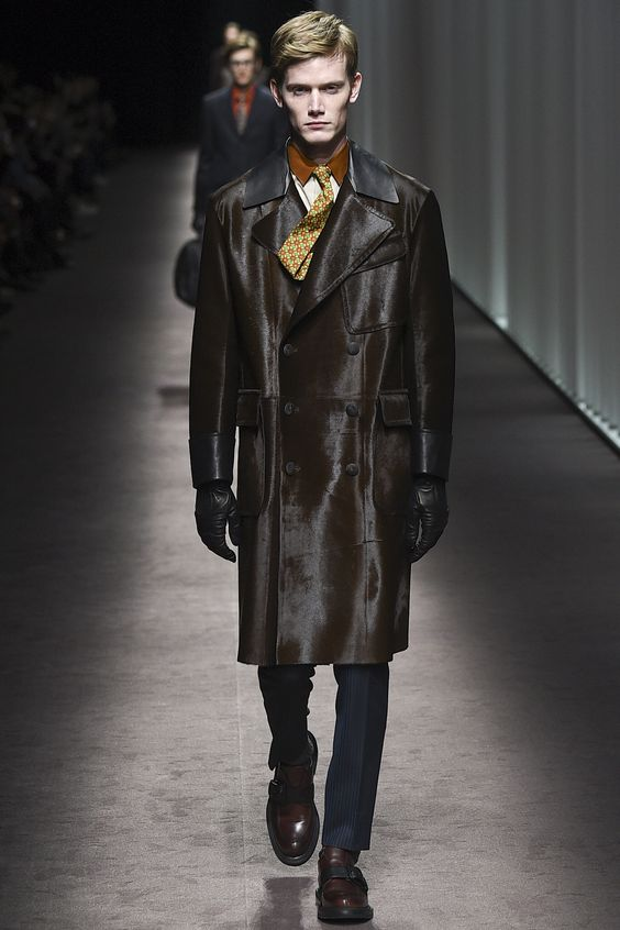 Canali  двубортное кожаное пальто