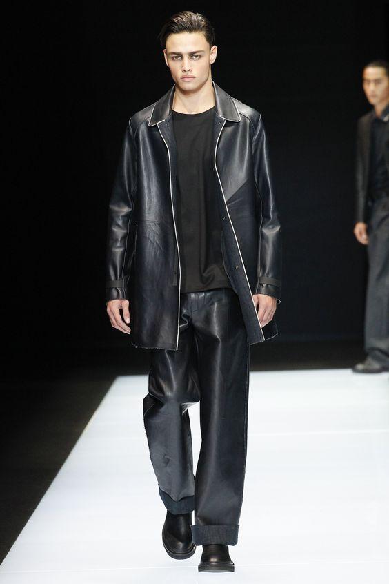 Emporio Armani черное короткое пальто