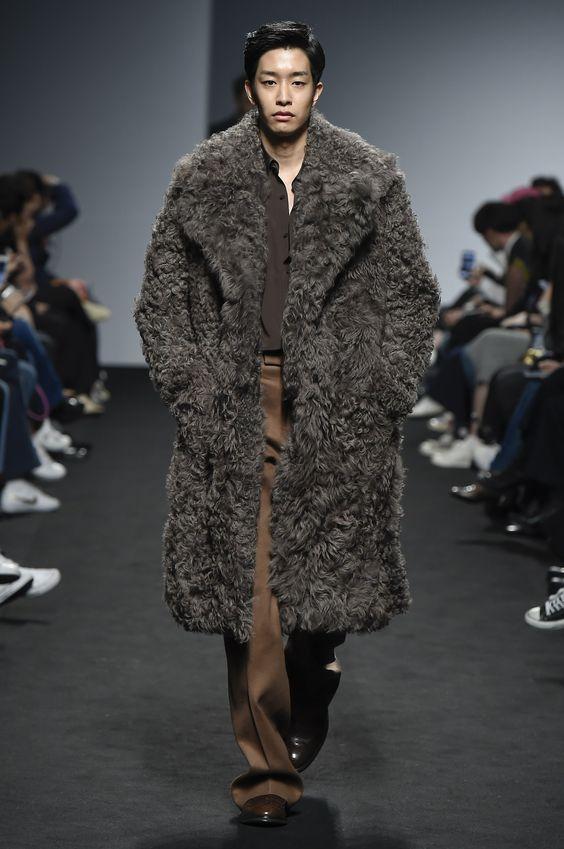 Kim Seo Ryong объемная мужская шуба