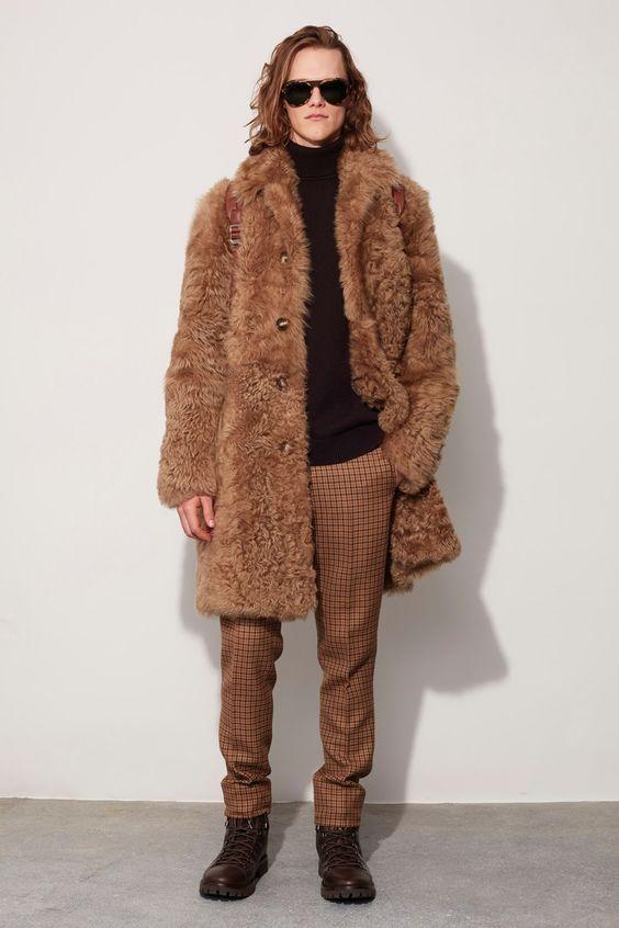 Michael Kors Collection коричневая мужская шуба