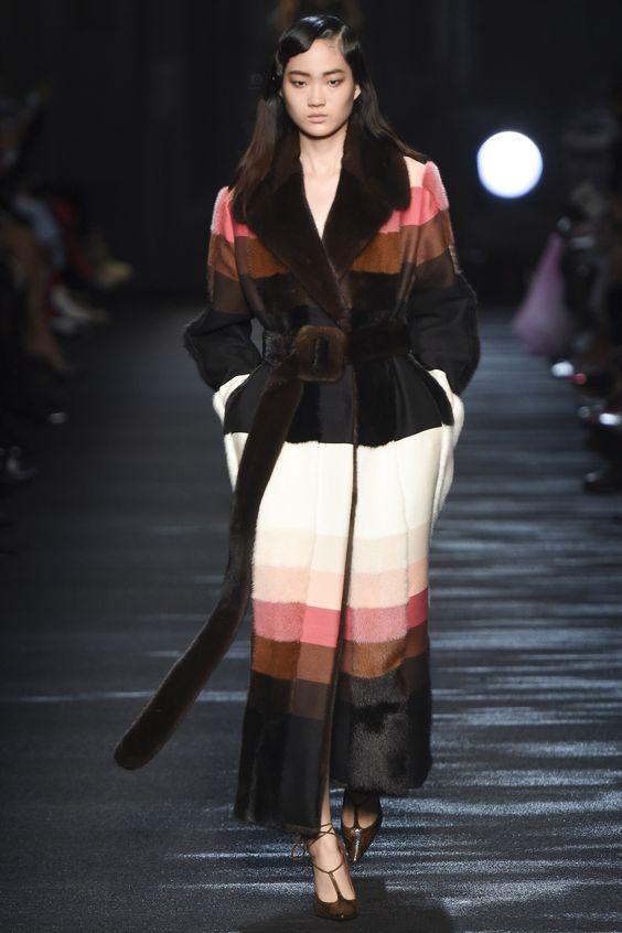 меховое пальто халат Blumarine