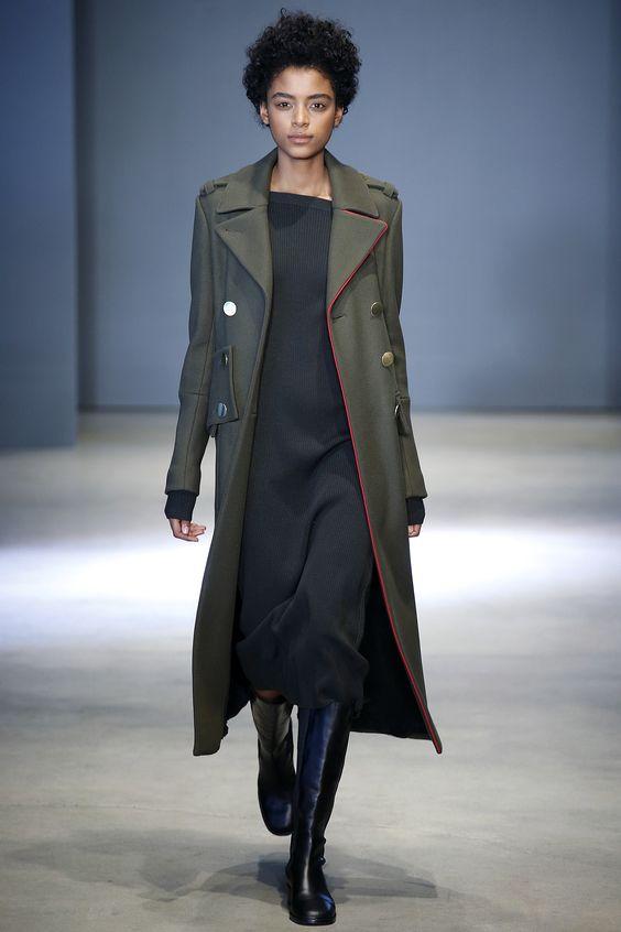 Tibi пальто оттенка хаки с крупными пуговицами