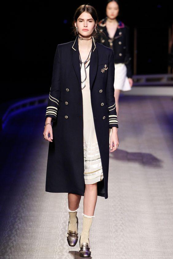 Tommy Hilfiger элегантное офицерское пальто