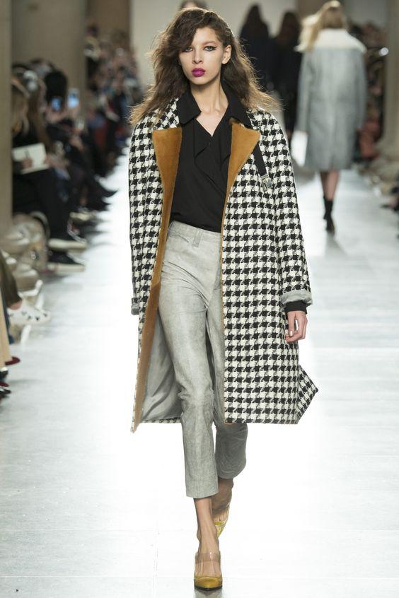 Topshop Unique  черно-белое клетчатое пальто
