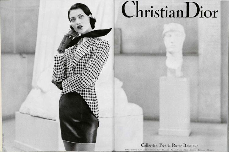кожаная юбка рекламная кампания Dior 1995