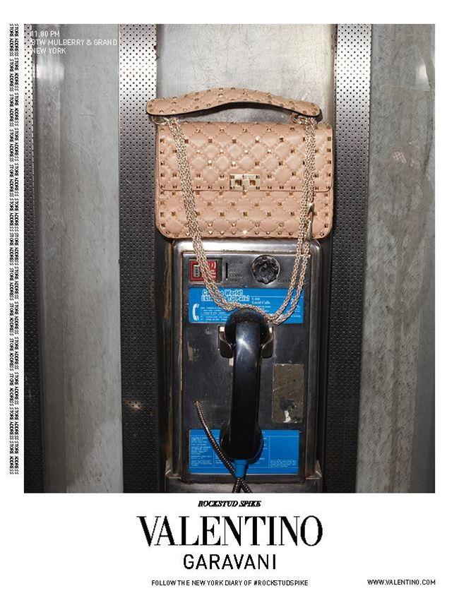 reklamnaya-kampaniya-sumok-valentino-rockstud-spike-2016-3