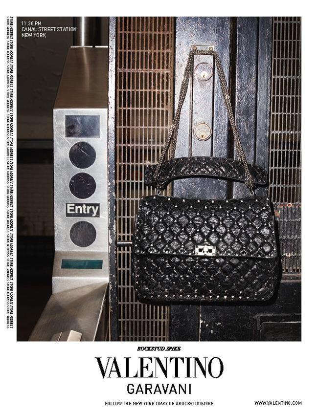 reklamnaya-kampaniya-sumok-valentino-rockstud-spike-2016-4
