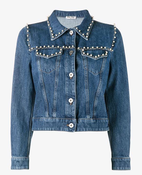 джинсовая куртка с металлическими заклепками и бусинами