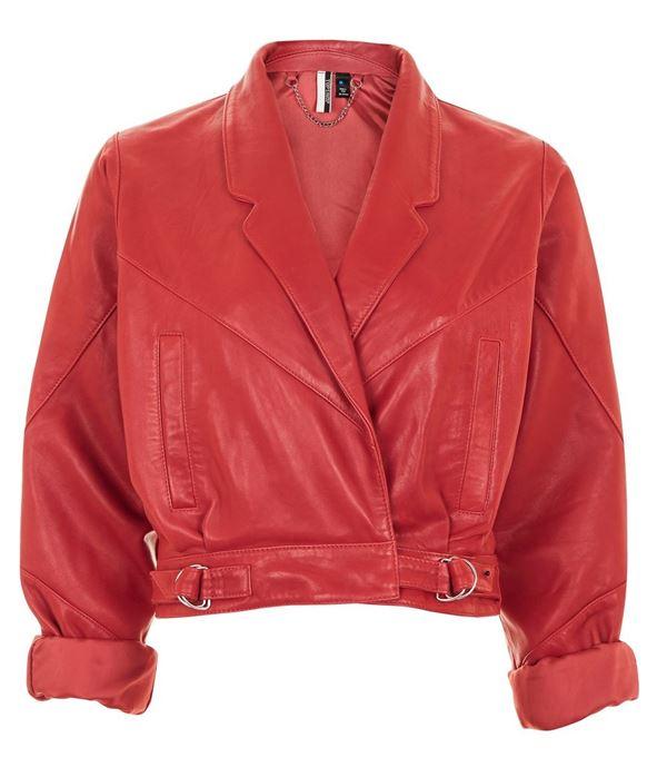 короткая красная кожаная куртка с короткими рукавами