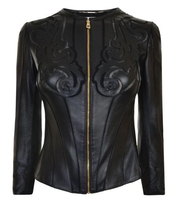 черная облегающая кожаная куртка