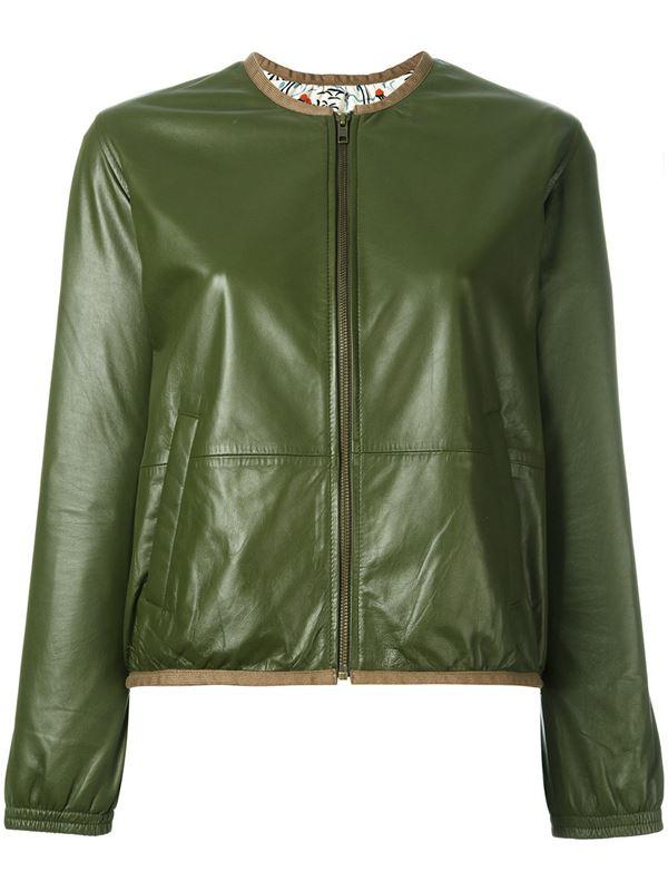 короткая кожаная куртка оттенка хаки на молнии