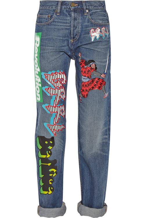джинсы бойфренды с аппликациями