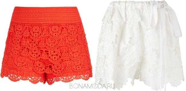 красные и белые кружевные шорты