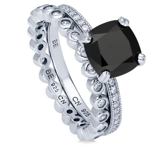 помолвочное кольцо из серебра с черным камнем